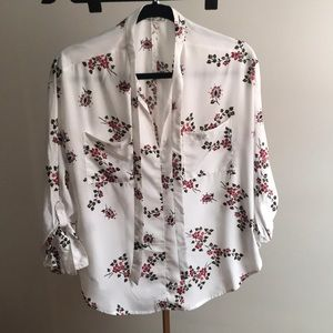 WHITE FLORAL BLOUSE - SMALL